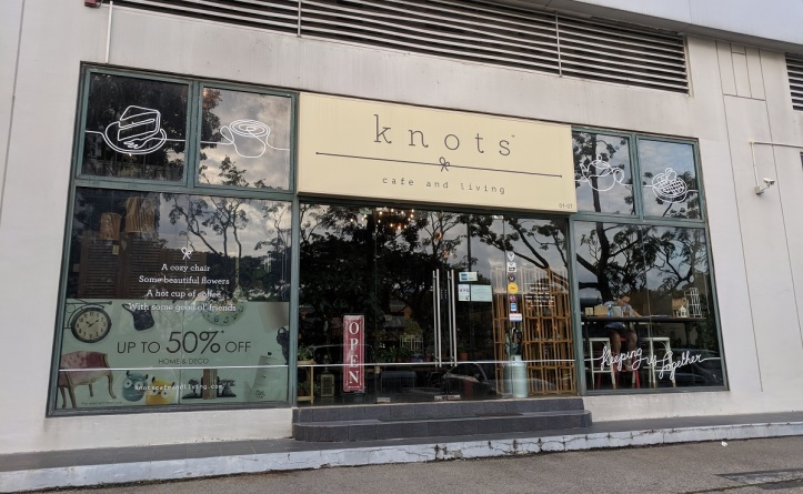 Knots Cafe front.jpg